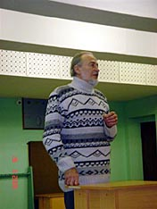 На трибуне патриарх метания Мухтарбек Алибекович Кантемиров