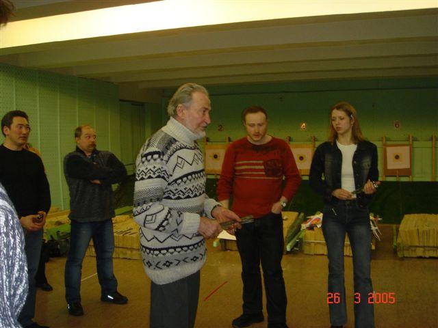 Мухтарбек Кантемиров демонстрирует свое искусство...